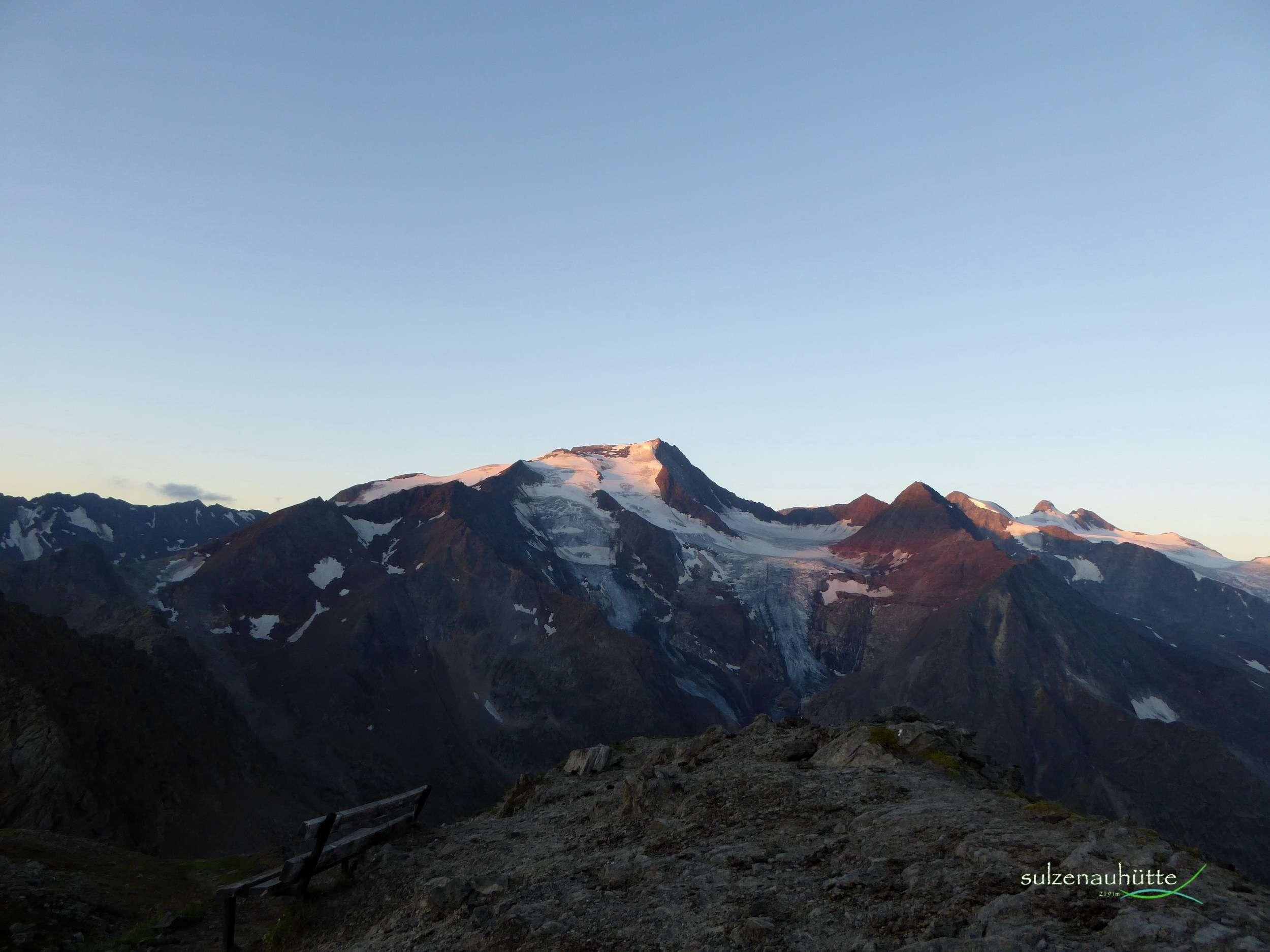 Wilder Freiger und Sulzenaukogel bei Sonnenaufgang
